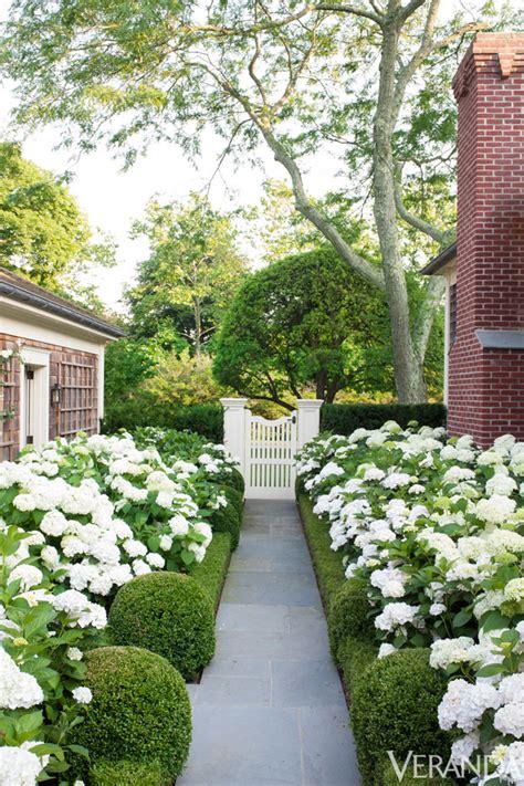 Lamb & Blonde Elegant Southampton Cottage