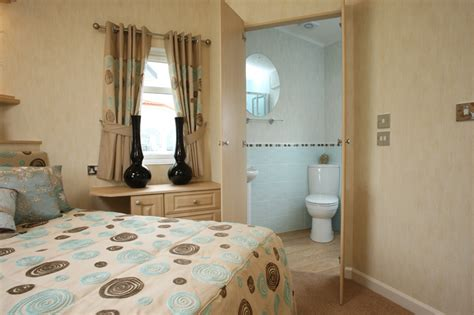 master bedroom with ensuite the seaton lodge range 16155