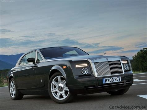 Rolls Royce Vs Maybach by Maybach Vs Rolls Royce No Comparison Is Possible Photos