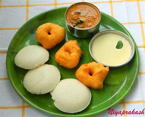 Niya's World: Photos of Homemade Dishes (Puri, Chapati, Meals, Pathrodo, Idli, Vada ..)