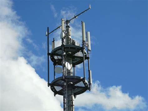 Wie sie ihre markise neu bespannen? Funkmasten neu gebaut oder erweitert: Telekom treibt LTE-Ausbau in Ludwigshafen am Rhein voran ...
