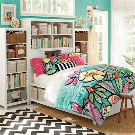 parure de lit cr 233 ant une ambiance color 233 e et printani 232 re dans la chambre 224 coucher design feria