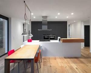 Deckenlampe Küche Modern : einfamilienhaus mit burgblick modern k che berlin von berm ller niemeyer ~ Frokenaadalensverden.com Haus und Dekorationen