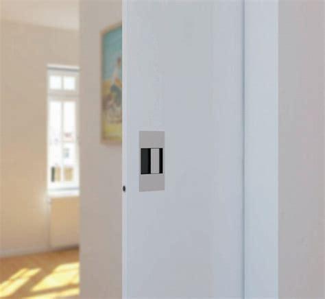 porte de meuble cuisine baton de tirage poignée à encastrer pour porte coulissante poignée à e