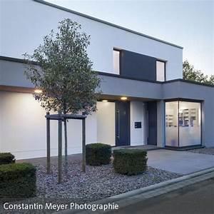 Eingangsbereich Haus Neu Gestalten : die besten 17 ideen zu flachdach auf pinterest haus ~ Lizthompson.info Haus und Dekorationen