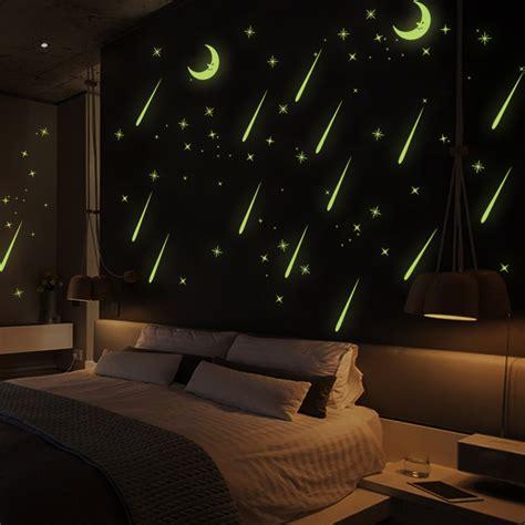 sticker phosphorescent lune   etoiles filantes