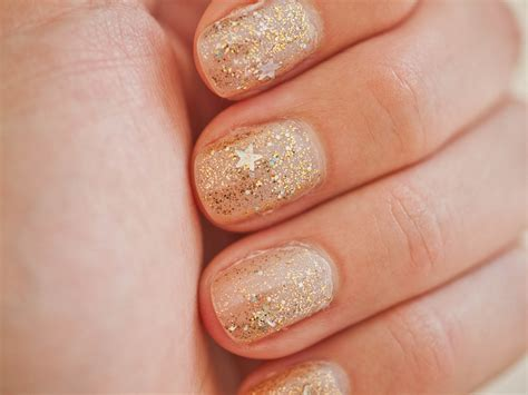 gold-glitter   Fashion Belief