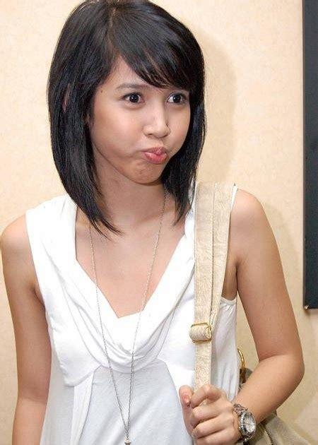 Foto Cute Tika Putri Sexy White Dress   Foto Sexy Artis Indonesia