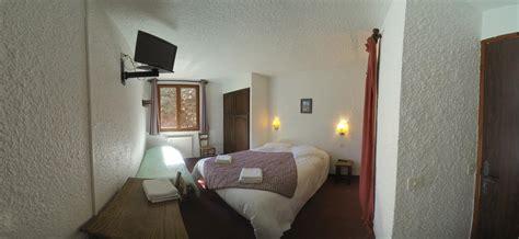 hotels dans la chambre chambre n 5 lit et lit d 39 appoint dans la
