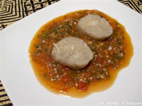 recette de cuisine camerounaise sauce gombo et bâton de manioc un monde d 39 évasion