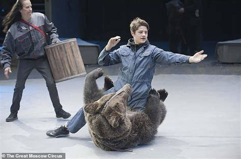 Keeper is mauled to death by bear after entering the ...