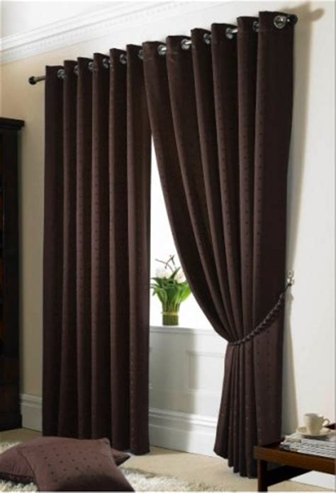 Bedroom Curtains Or Blinds
