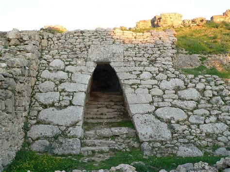 The Minoan Invention Of The True Dome And Arch