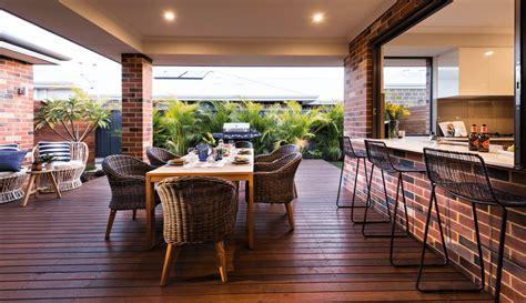 outdoor living spaces  rock melton design build