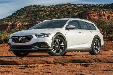 2018 buick regal tourx first bucking stereotypes motor trend canada