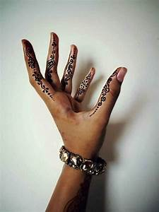 40+ Side Finger Tattoos Ideas For Girls