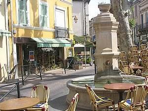 Seat Salon De Provence : salon de provence fontaine ~ Gottalentnigeria.com Avis de Voitures