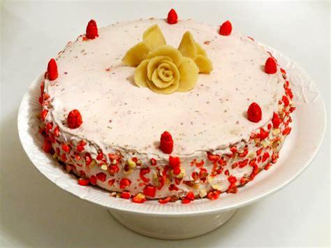 dessert aux pralines roses entremet aux pralines roses et framboises diet d 233 lices recettes diet 233 tiques