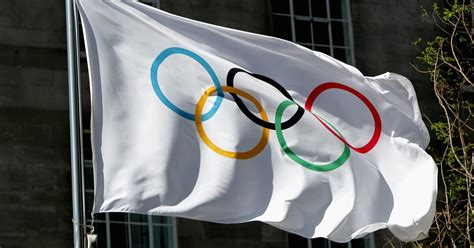 the tokyo olympics 2020 bans international spectators ...