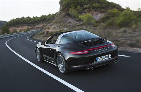 new porsche 911 targa new porsche 911 targa defies most amazing roof at 2014 naias