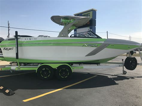 Sanger Wakeboard Boats For Sale by Sanger Boats Wakesurf Boats Wakeboard Boats Ski Boats