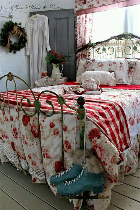 Bedroom Decor Ideas Vintage by Best 25 Antique Bedroom Decor Ideas On