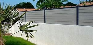 Cloture Sur Muret : poser une cl ture composite sur un muret ~ Carolinahurricanesstore.com Idées de Décoration