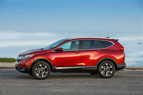Stay connected with your vehicle, right from your smartphone. 2018 Honda CR-V Reviews - Research CR-V Prices & Specs ...
