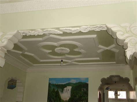 plafond en platre chambre a coucher décoration en plâtre des nouveaux modèles plafond platre
