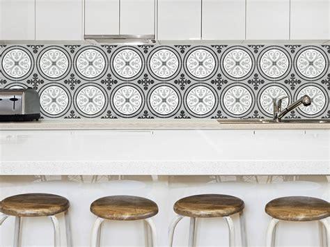 credence cuisine en carreaux de ciment uzes gris adhésif imperméabilisé carreaux de ciment gris