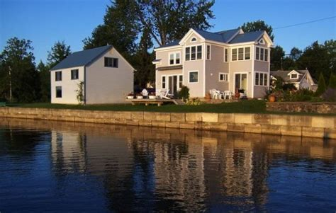 bernie sanders lake champlain home