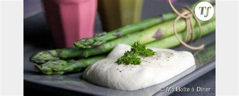 cuisiner des asperges fraiches cuisiner les légumes de saison asperges sauce fraîcheur