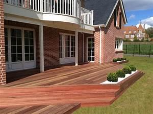 Terrasse en bois exotique padouk galaxy jardin for Amenagement terrasse et jardin 3 exotique paysage