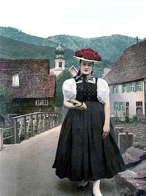 dirndl  tracht native german clothing