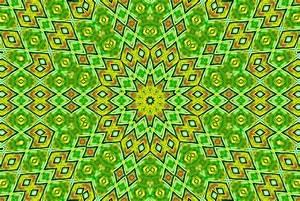 Radiating Patterns Digital Art by Susan Leggett