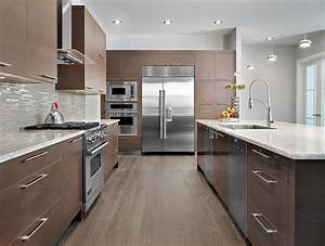 brown-glass-tile-backsplash-Kitchen-Contemporary-with-dark