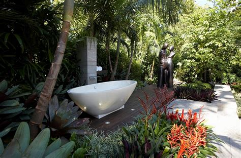 Outdoors Bathroom : 23 Amazing Inspirations That Take The Bathroom Outdoors