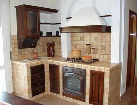 Virtuves 33 - Laiki mainās! | Cucina in muratura, Cucina ...