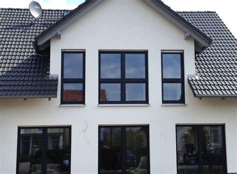 Einfamilienhaus Energiesparende Holzfenster by Konzept Haus T 252 Ren Fenster Und Trockenbau 011 K H