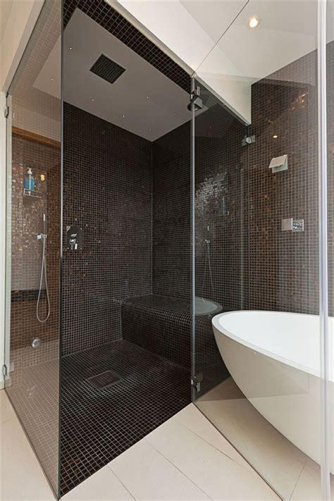 Loft Der Moderne Lebensstilloft Design In Rot Und Weiss by Schwedisches Loft Apartment Atemberaubende Aussicht Auf