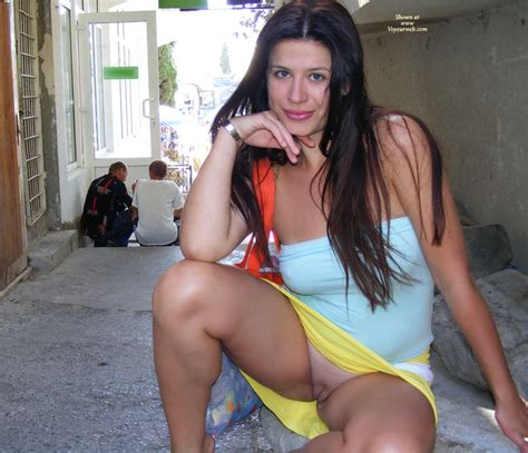 Sexy Wife Shaved Pussy Flash In Public December 2009