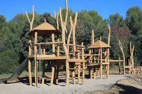 jeux bois extérieur aires de jeux en bois de robinier jeuxpleinair