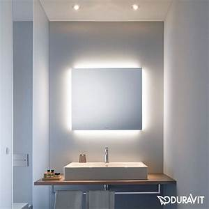 Spiegel Mit Beleuchtung Günstig : die besten 25 spiegel mit beleuchtung ideen auf pinterest spiegeleitelkeit hollywood mirror ~ Eleganceandgraceweddings.com Haus und Dekorationen