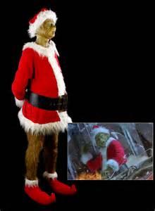 Jim Carrey Grinch Costume Props