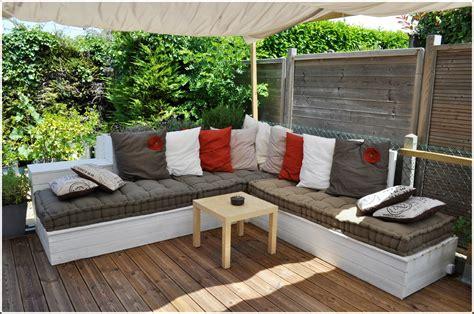 plan canapé bois salon de jardin canapé d 39 angle extérieur en bois idées