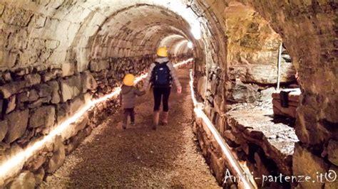 La Casa Di Babbo Natale Ornavasso by 10 Motivi Per Non Visitare La Grotta Di Babbo Natale Di