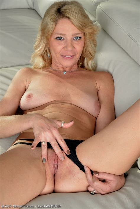 Blonde Milf Harley Summers At Mature Sex Pictures