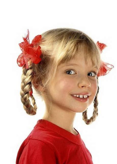 fryzury dla dziewczynek  szkoly