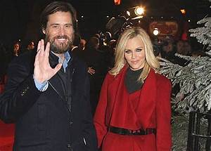 Super Bowl excitement gets better of Jim Carrey and wife ...