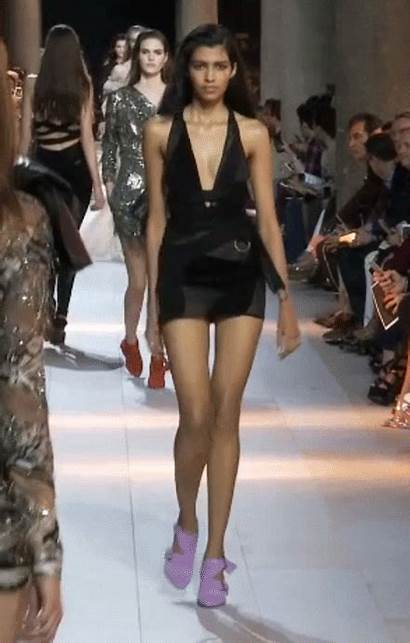 Runway Walk Mor Pooja Cavalli Vogue Milan